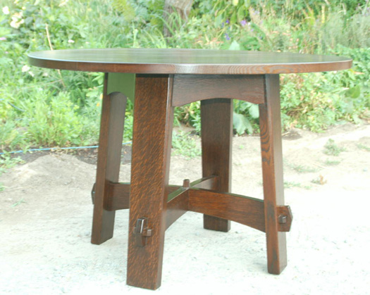 Replica Gustav Stickley splay leg table